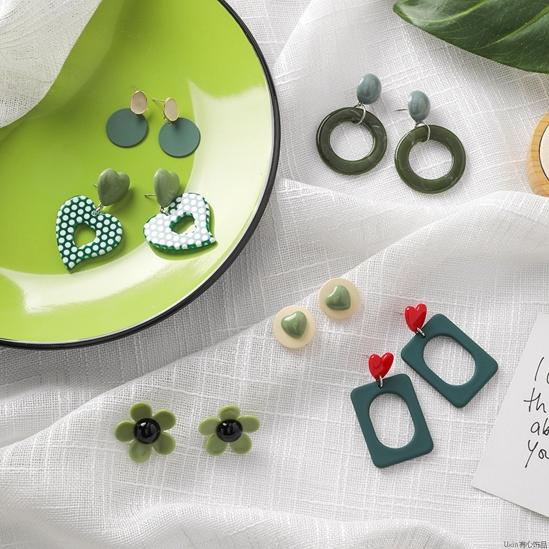 Sweet little fresh style green forest Earrings love flowers simple geometric Earrings fashionable Earrings female