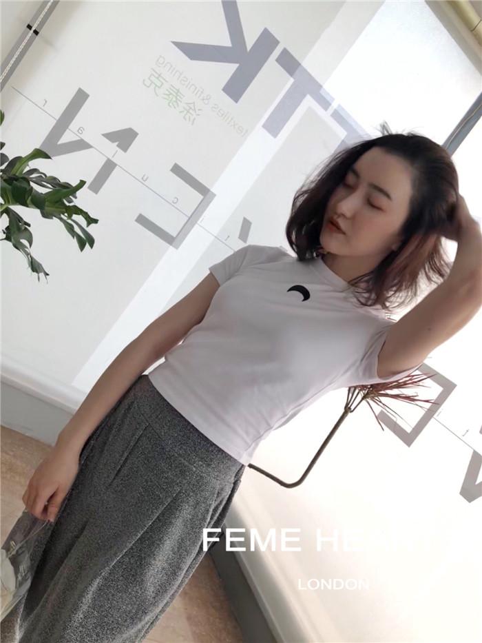 LaPetite法国 18早秋新款 Feme hearts 简约月亮T恤 2色