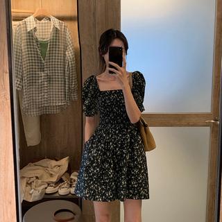 黑色方领碎花连衣裙2021年秋季女装新款韩版小个子性感短袖裙子潮