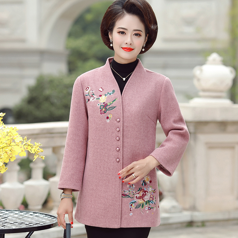 Mothers wool coat 2020 autumn and winter new middle-aged womens dress foreign style embroidered medium and long stand collar coat windbreaker