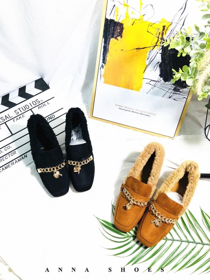 撤柜方头复古奶奶鞋加绒加厚毛毛短筒中跟女鞋2019新款时尚女鞋