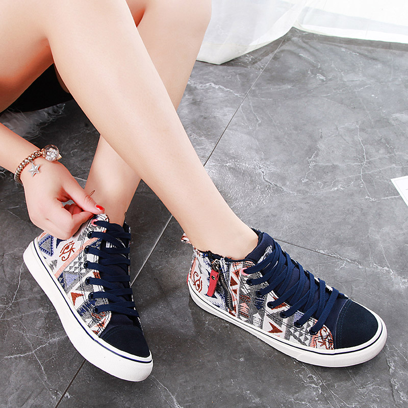 Winter Plush high top canvas shoes fashion printing warm flat soled shoes Er Mian middle school students shoes 12-15
