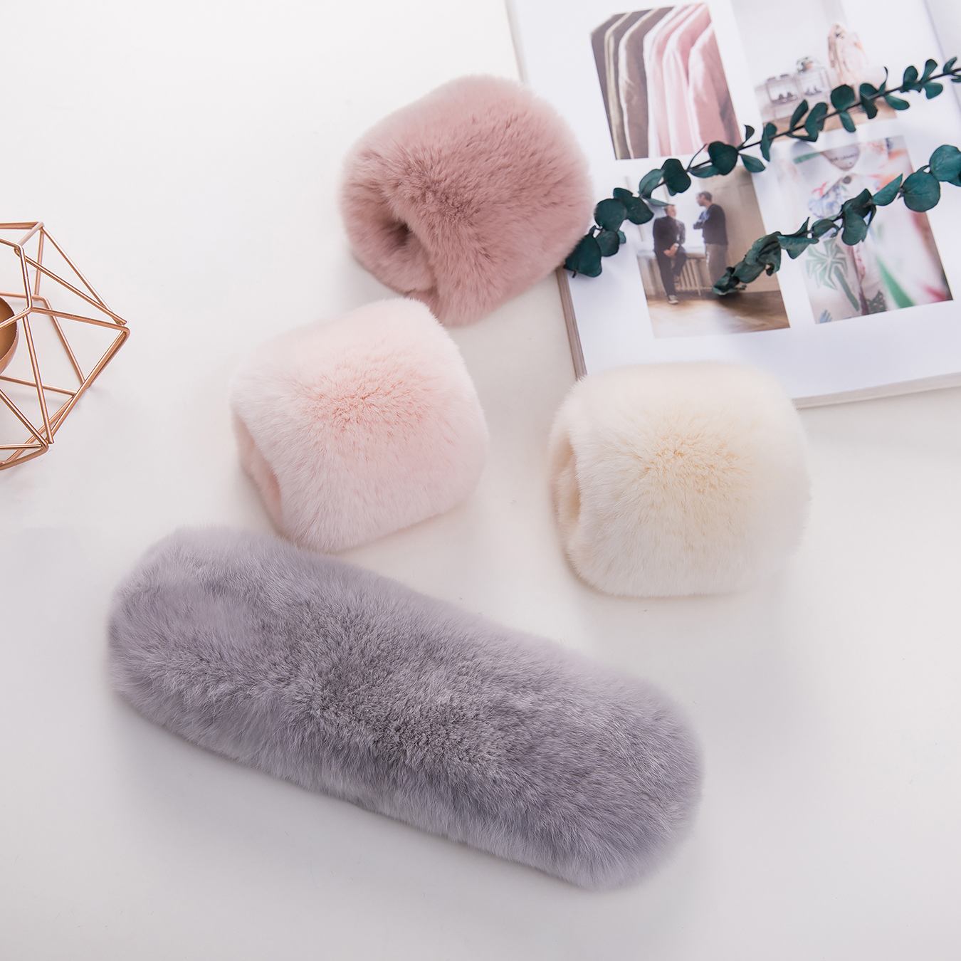 Korean Fashion Bracelet foldable net red real Rex Rabbit Plush double side fur bracelet with cuffs flapping ring