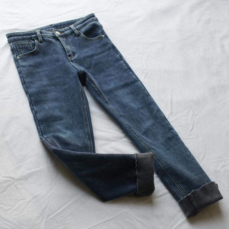 十二月 修腿显瘦一体植绒加厚牛仔裤女冬弹力铅笔九分