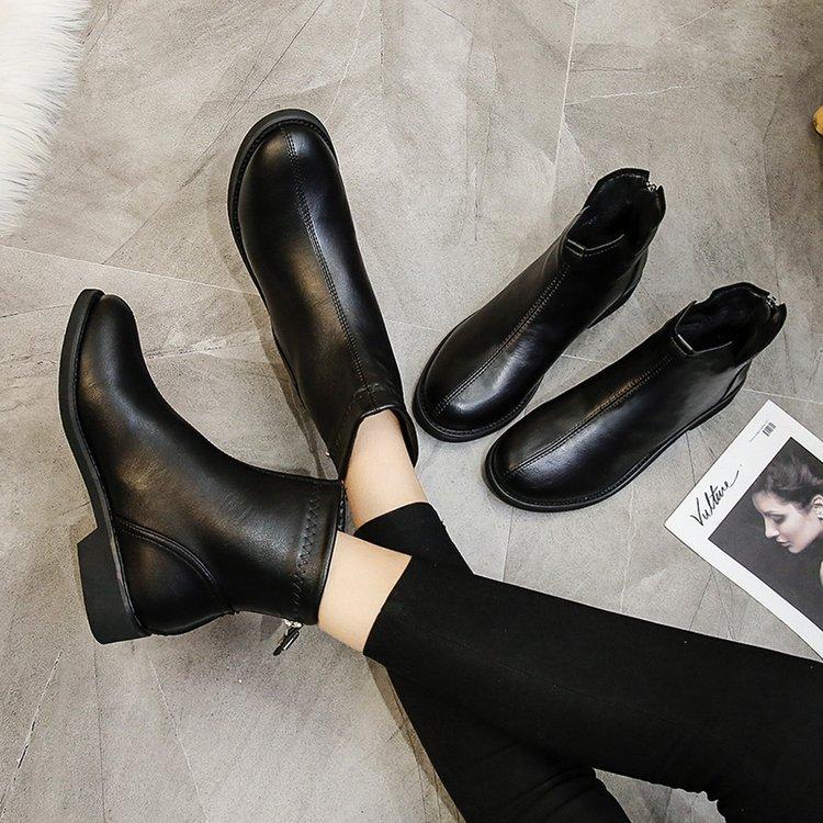 ネットの赤いマーティンの靴の女性のショートブーツとダウンの綿の靴のショートブーツの長靴の百はイギリスの冬の靴のファスナーの皮靴に合います