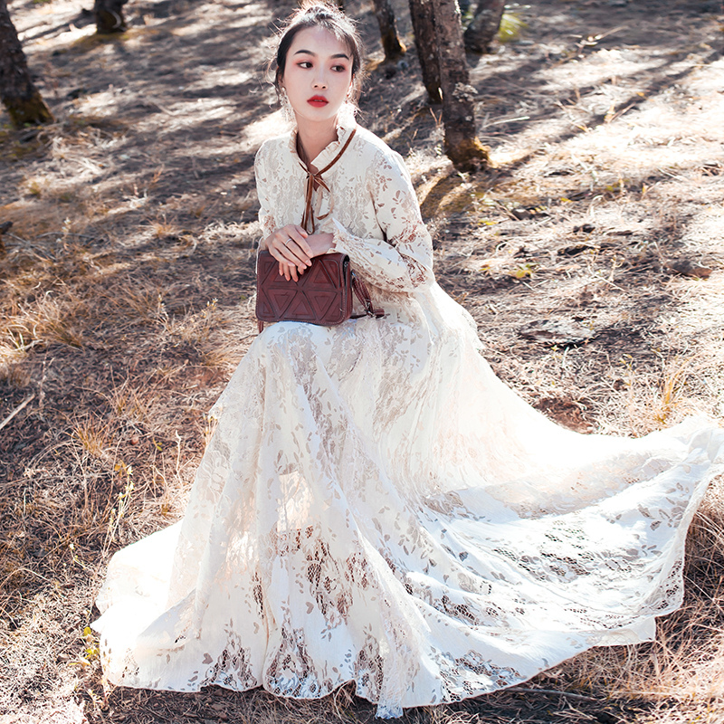 Court style lace dress womens 2020 spring and Autumn New Retro literature and art show thin very fairy French minority skirt
