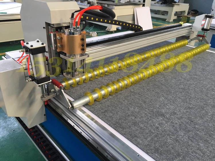 汽车脚垫激光切割机裁剪机 汽车坐垫超纤皮革布料激光雕刻裁剪机