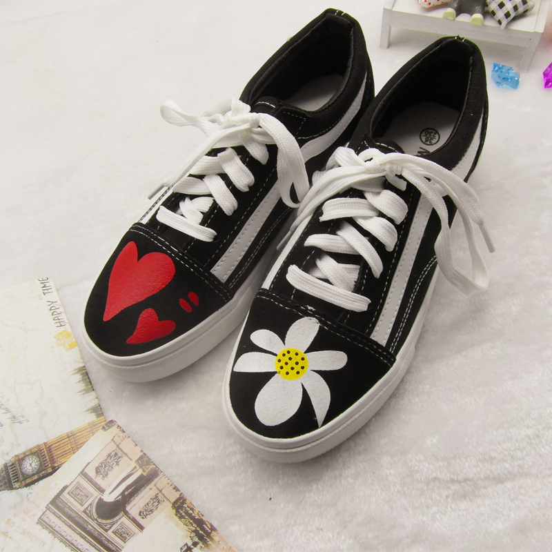 Canvas shoes GD Street Photo trend mens shoes fashion versatile cloth shoes outdoor board shoes flower heart series hand painted canvas shoes