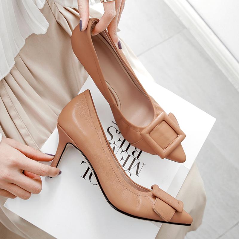 235.41元包邮软牛皮尖头细跟方扣单鞋女软底舒适全皮浅口裸色高跟鞋大小码女鞋