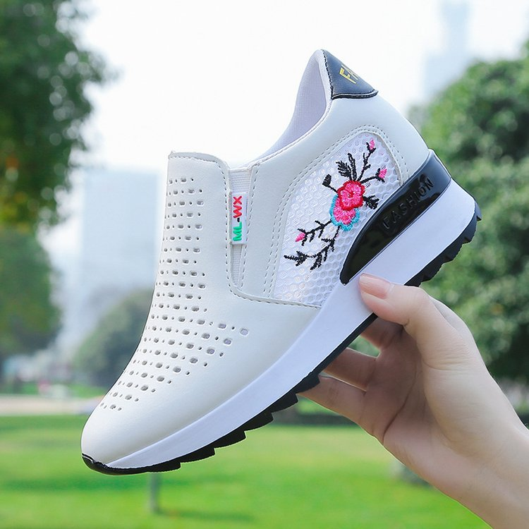 Shoes womens 2019 new summer air permeable hollow out womens shoes Korean version of versatile sports small white shoes for womens increased Lefu shoes