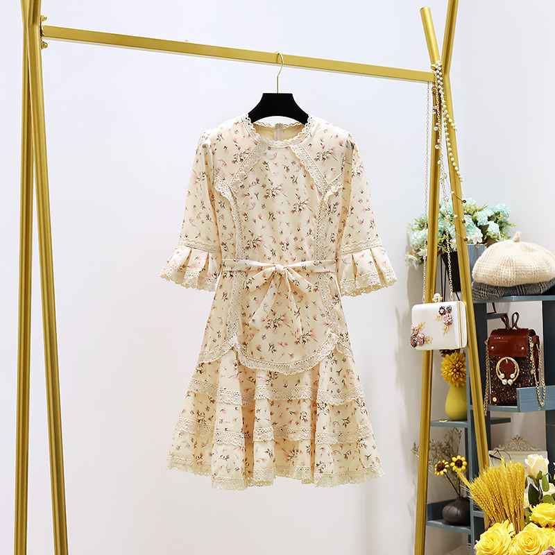 French style retro floral spring / summer 2020 new women's wear versatile show thin lace lace lace print dress skirt