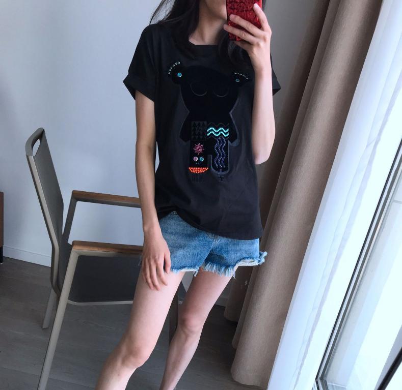 5月20左右发自带酷炫范儿轻奢重工丝绒烫钻亮片卡通熊黑女春夏T恤