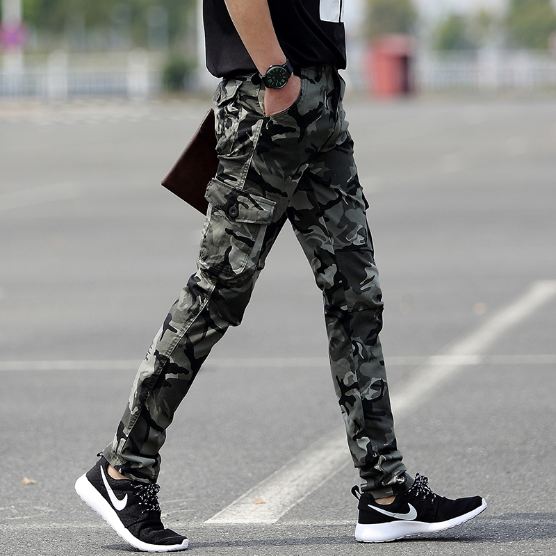 Summer camouflage trousers, male tide special soldier, handsome tiktok, the same style, the pants are felt, straight pants, mens feet.