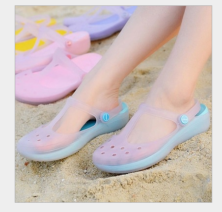 New summer hole shoes womens removable sandals color changing letter Chile flat bottom beach shoes nurse shoes jelly shoes