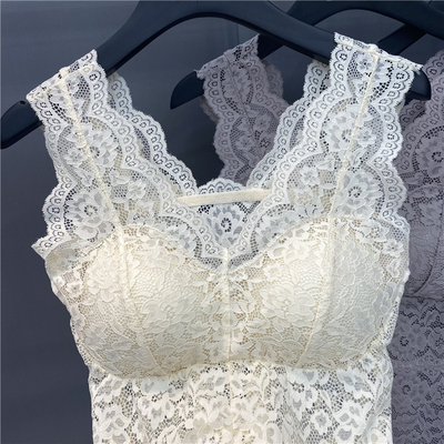 Lace with a French sling top, chest pad vest, female high-end net celebrity explosion models, small breasts gather beautiful back spring and summer