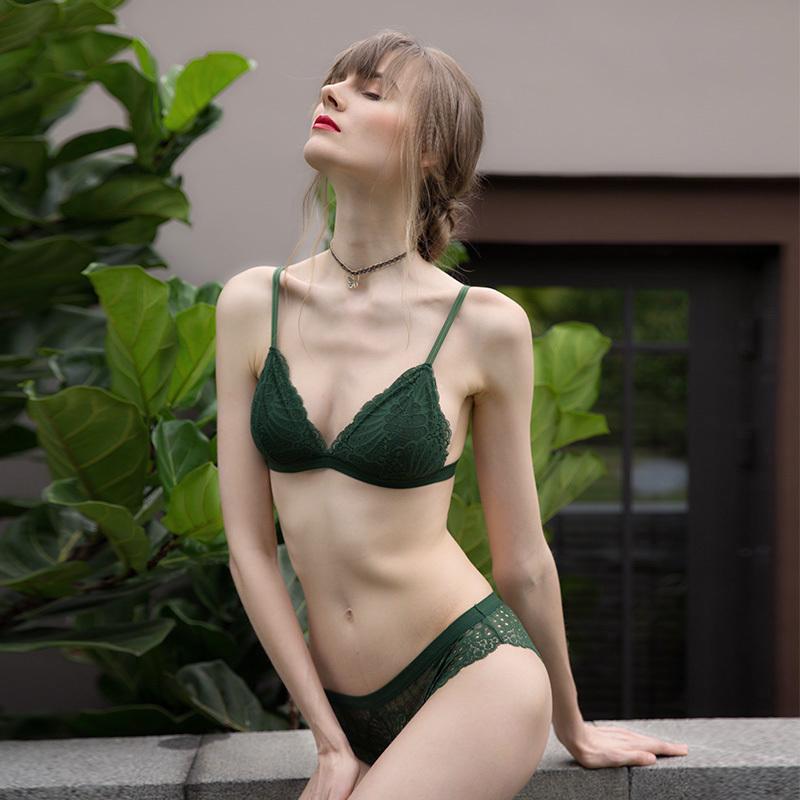 薄款无钢圈法式大胸显小性感胸罩满69元可用5元优惠券