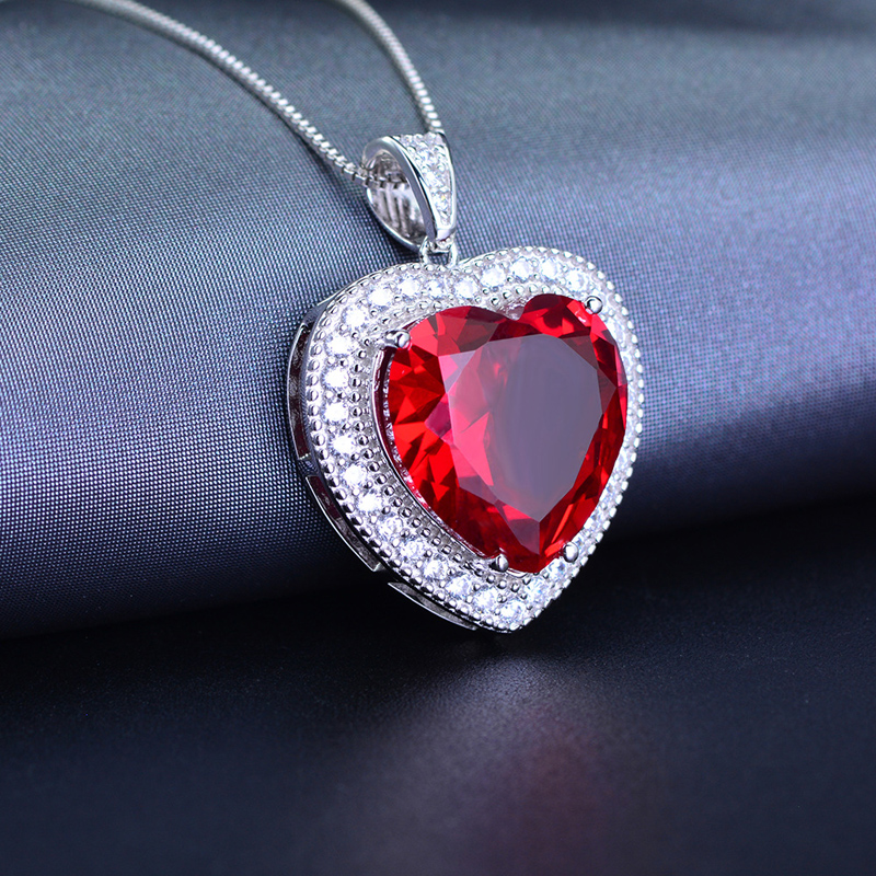 Ruby necklace, red corundum, colorful treasure, clavicle chain pendant, European and American exaggeration, luxurious heart-shaped mothers Day gift