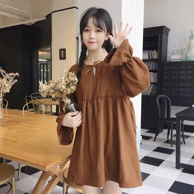 2019 spring and Autumn New Korean womens long sleeve dress womens fresh, sweet and loose trumpet sleeve medium long bottoming