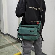 男士工装潮牌斜挎包防水尼龙布单肩包学生休闲书包大容量邮差包潮