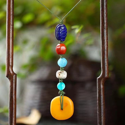 Natural amber beeswax safe buckle beeswax mobile phone pendant pendant bag hanging mobile phone hanging key chain pendant pendant