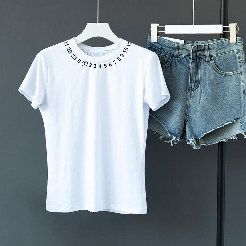 79.00元包邮白色短袖T恤女cec超火体恤夏季韩版修身内搭打底衫ins网红上衣潮