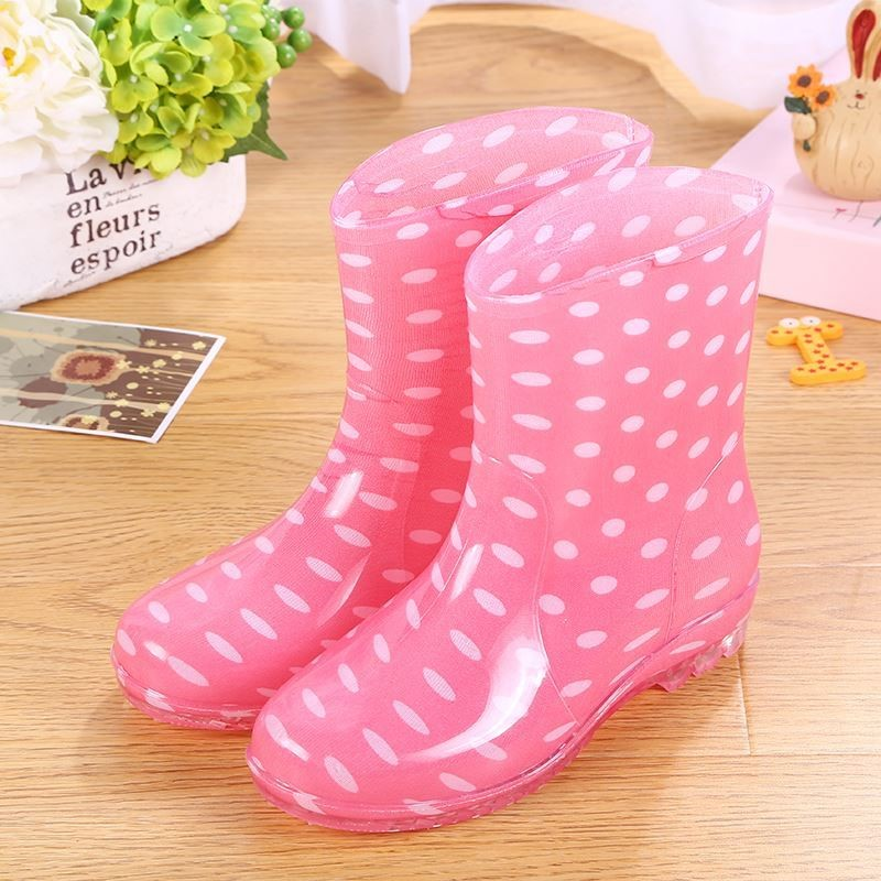 Water shoes womens summer light and beautiful rain shoes womens rain day overshoes treading water shoes rain boots fashion rubber shoes antiskid adult
