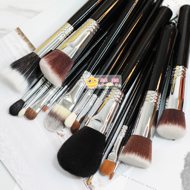 Clearance, 3 bags, post, Yan Tang, S series makeup brush, novice foundation brush, blush brush, professional eye shadow and dizzy dyeing brush.