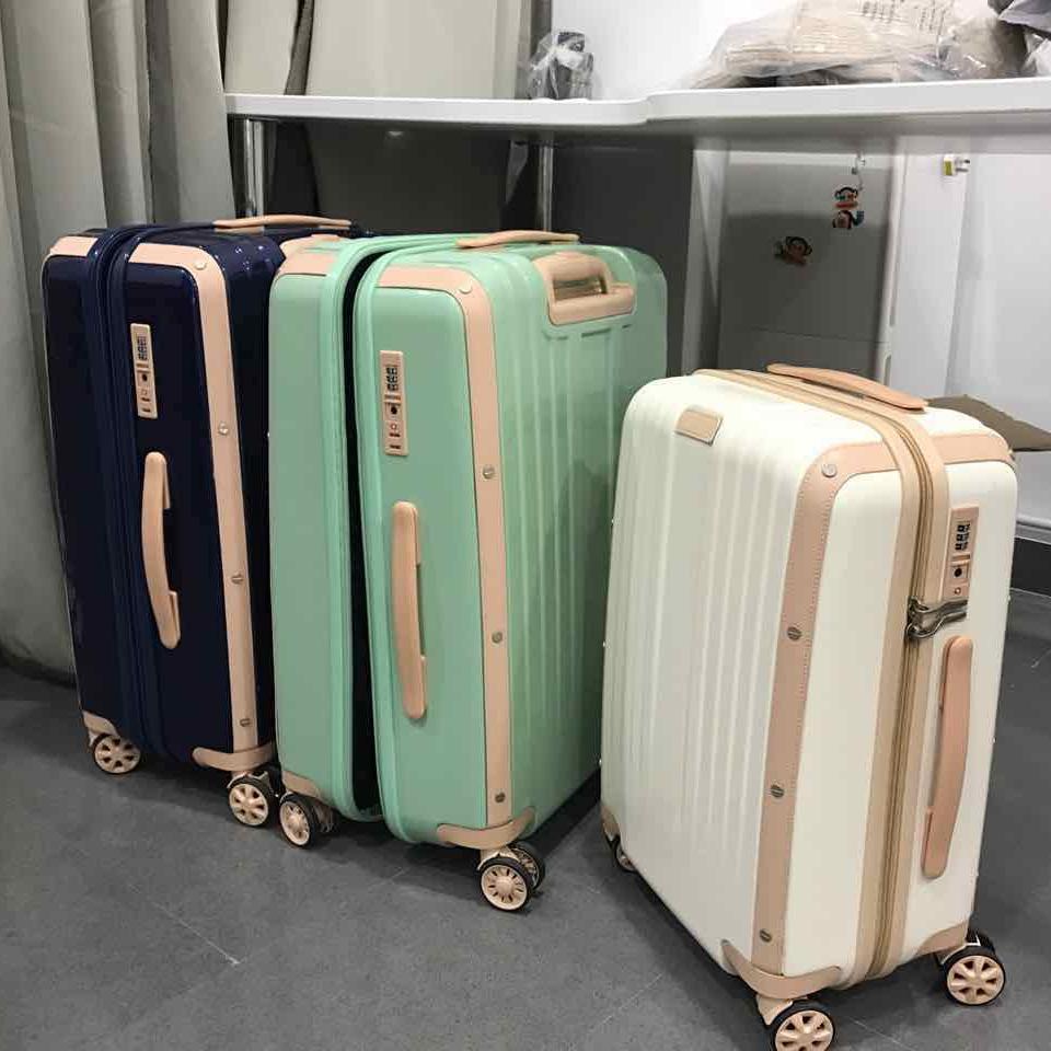 真的很美!纯PC外贸拉杆箱原单行李箱出口旅行箱尾单万向轮静音轮