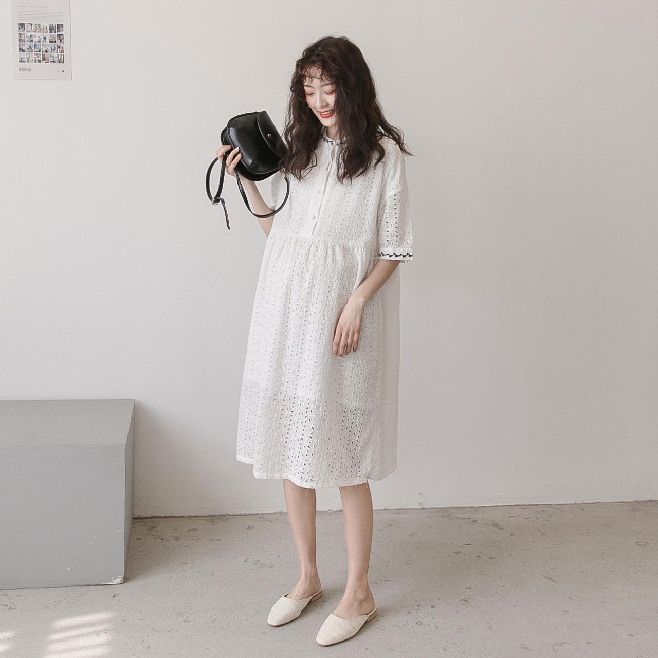 孕妇连衣裙夏装时尚短袖韩版孕妇装外出哺乳裙气质白色蕾丝长裙潮图片