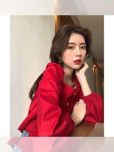 早秋复古方领上衣女显瘦红色灯笼袖长袖洋气小衫短款棉料漏肩锁骨
