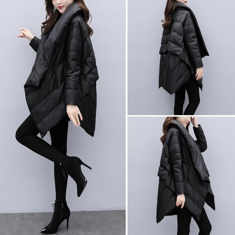 2020新款女装冬宽松大码中长款羽绒服女黑色显瘦pu皮斗篷外套加厚