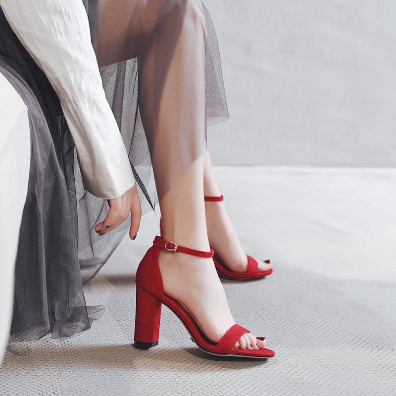 一字带高跟鞋红色凉鞋女中跟粗跟仙女风百搭女时装夏季2020新款