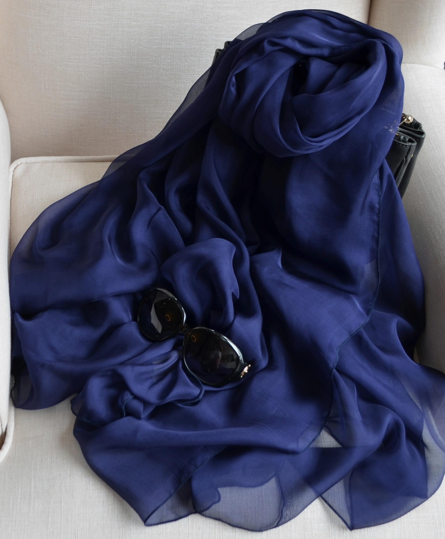 春秋文艺范藏蓝色超长薄围巾纯色百分百真丝巾桑蚕丝女大披肩