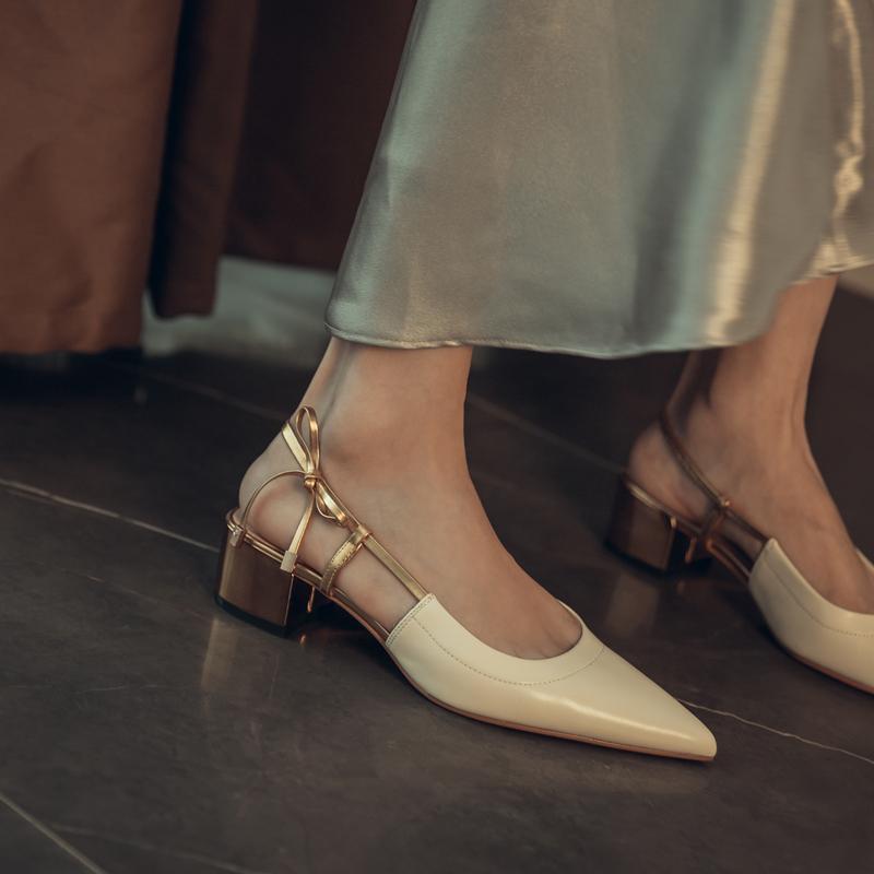 岛上定制/步履轻盈 凉鞋女仙女风2020年新款尖头粗跟后空中跟单鞋图片