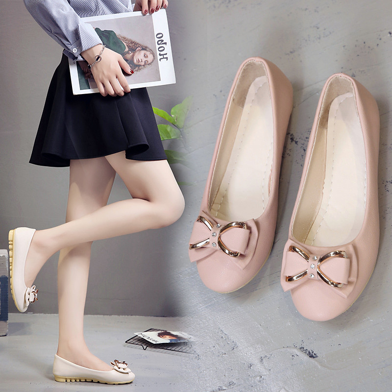 Spring and summer 2019 shallow mouth round head mother flat sole single shoes cow tendon soft sole leisure society low heel Doudou Ladybug shoes woman