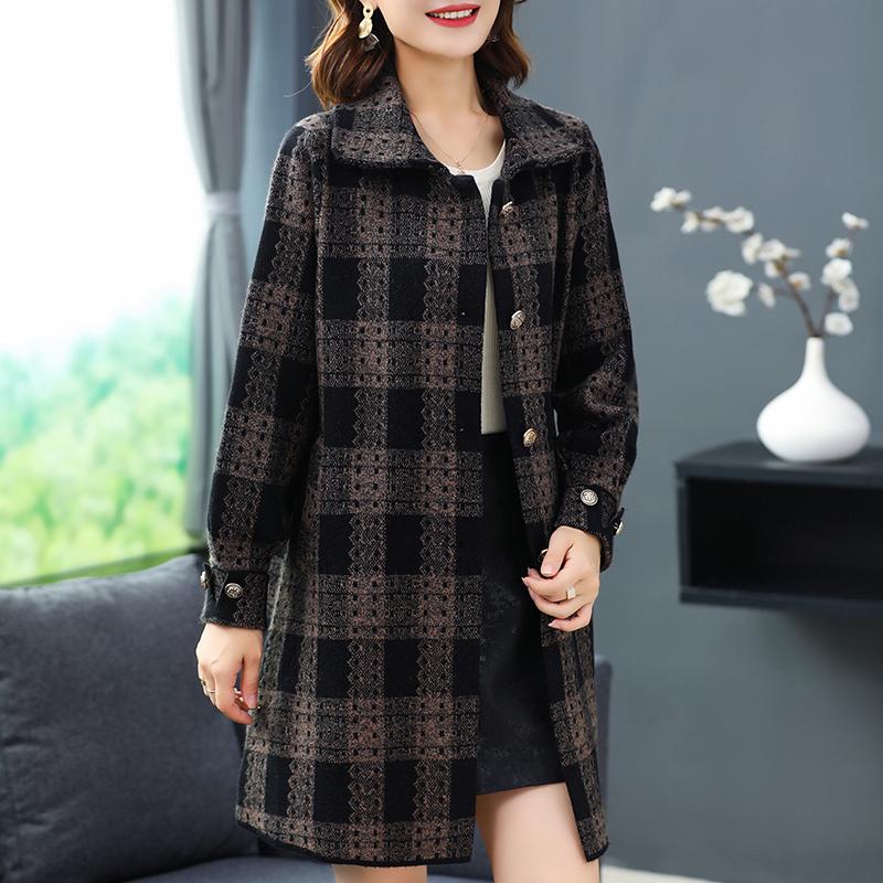 媽媽裝秋裝呢子外套2021中老年女裝格子大衣洋氣闊太太長款大衣冬