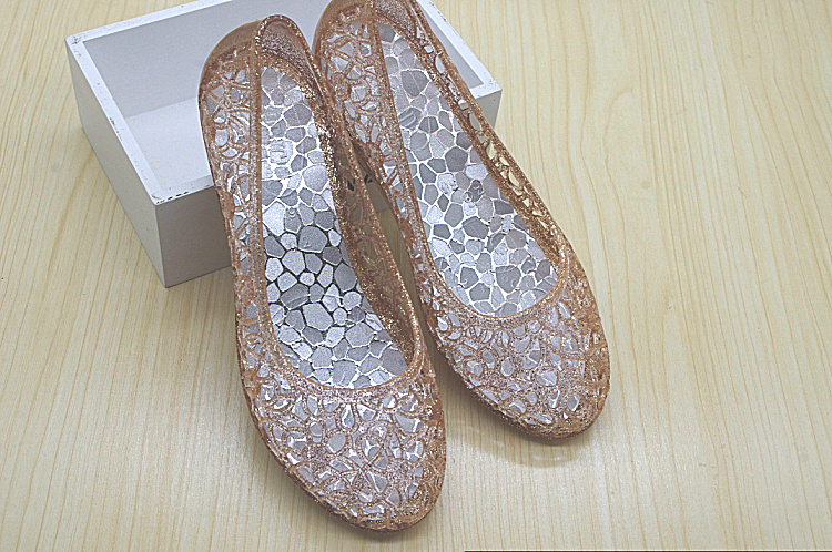 Summer new Korean Baotou sandals female crystal plastic beach shoes hole shoes female flat mother shoes jelly shoes