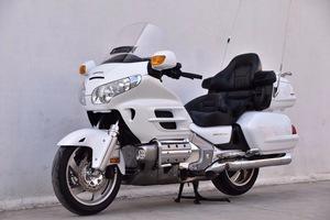 进口豪华HONDA本田金翼GL-1800巡航旅行长途大踏板摩托车水冷电喷