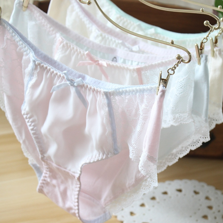 Japanese medium waist lace cotton flat angle traceless underwear womens pure cotton briefs with buttocks covered girls white