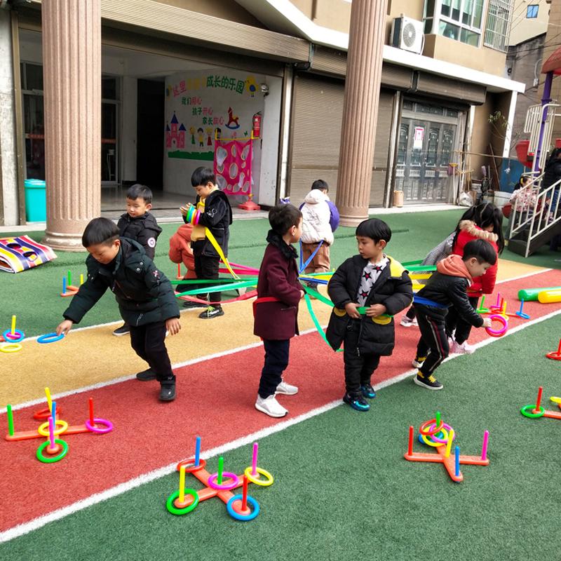 幼稚園の感動的な教本は多彩なムカデの縄の子供の屋外の活動の訓練器材の体の知能トレーニングのおもちゃを備えます。