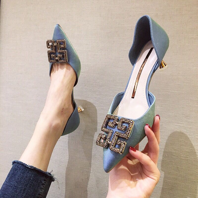 Golden Hansha summer new diamond square button hollow sandals womens slim heel fairy style single shoes pointed professional womens shoes