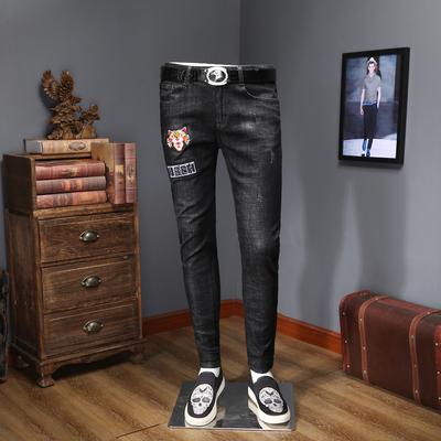 2018春款男士牛仔裤小脚刺绣薄款 8017 P125