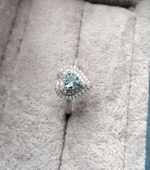 Genuine ocean heart. Natural high quality pure Aquamarine heart-shaped diamond inlaid Sterling Silver Ring