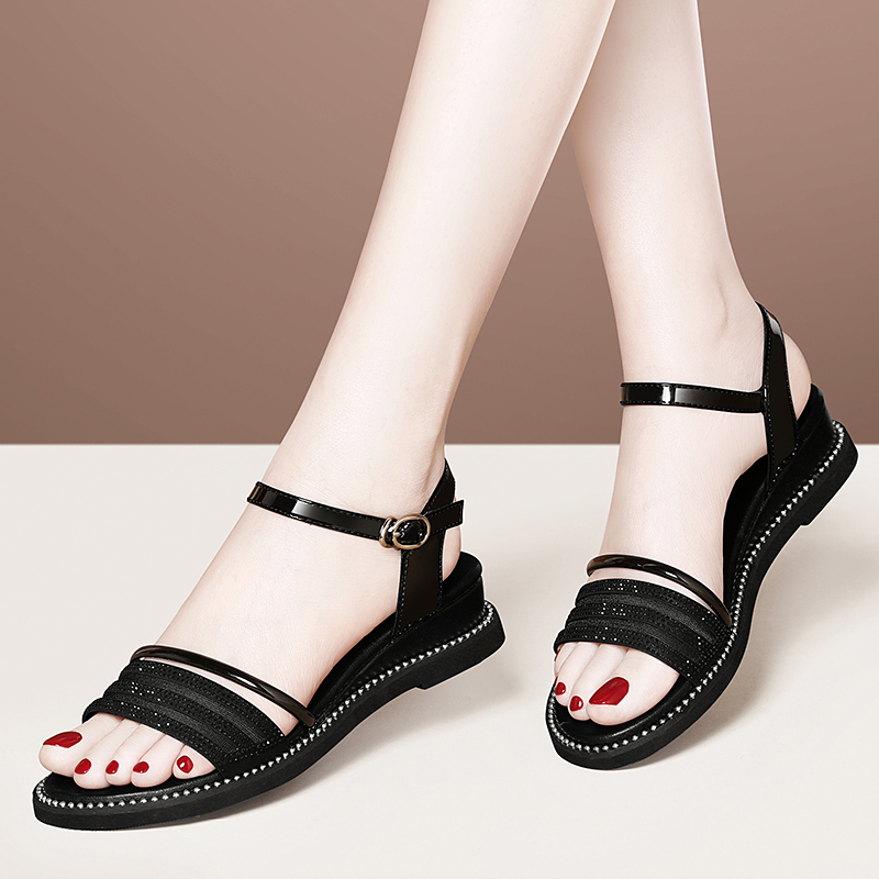 Sandals fairy 2020 new black simple small fresh soft sole comfortable mother Roman flat shoes
