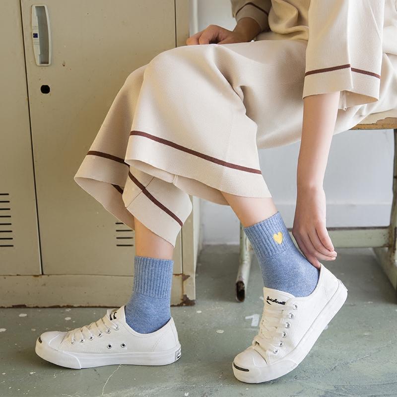 (用3元券)袜子女中筒袜韩版学院风秋冬长袜原宿刺绣爱心纯棉袜日系运动短袜