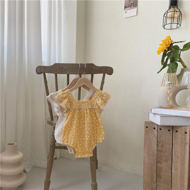 ins夏韩版女宝宝小方领雏菊连身衣爬服婴儿小飞袖蕾丝拼接包屁衣