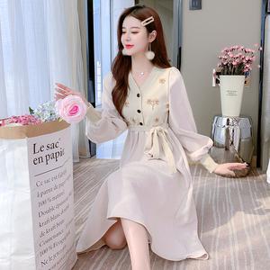 現貨實拍6926# 2021秋冬新款連衣裙女繡花針織毛衣上衣拼接打底裙