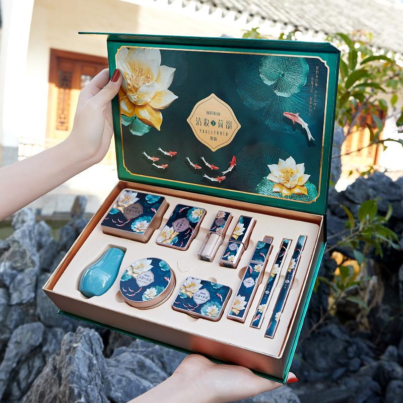 Li Jiaqi recommends lipstick, makeup, ten sets of gift boxes, powder, eyebrow pencil, mascara, eye shadow, eyeliner, BB cream, etc.