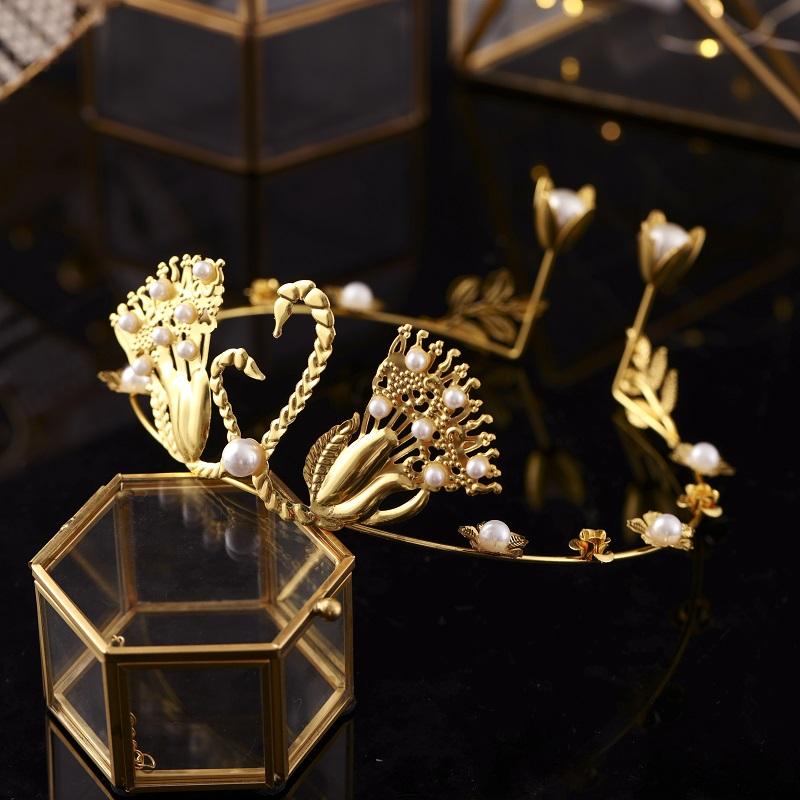 蛋糕皇冠装饰摆件金色复古巴洛克天鹅皇冠头饰新娘发箍珍珠双天鹅