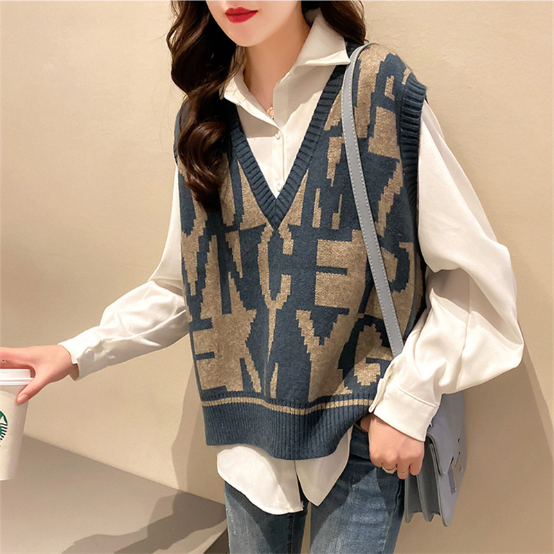 Womens waistcoat knitted loose outer wear spring and summer 2021 new Korean V-neck knitted sleeveless top fashion